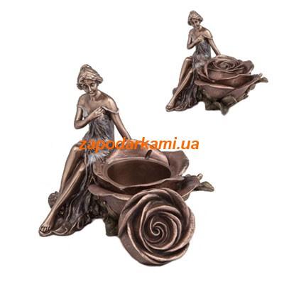 Статуэтка-шкатулка «Девушка с розой»