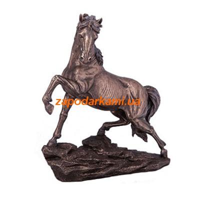 Статуэтка «Конь на скале»