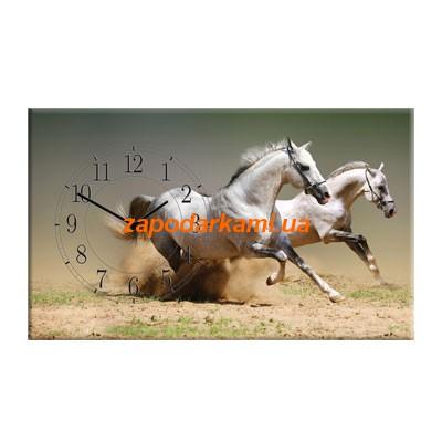 Настенные часы на холсте «Кони»