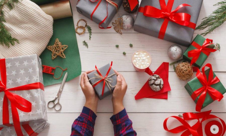 День заворачивания подарков